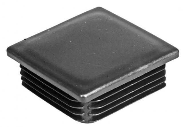 plastik-kvadrat-zaglushka